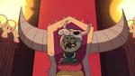 Ludo sitzt auf seinem Tron