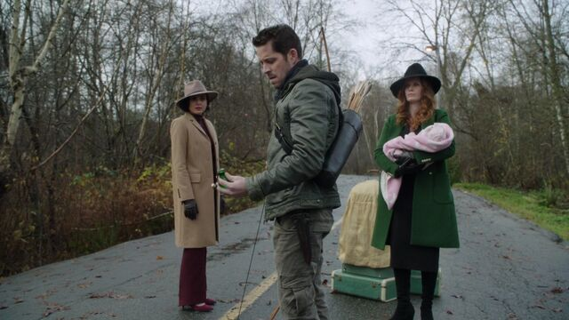 File:Once Upon a Time - 6x13 - Ill-Boding Patterns - Robin with Potion.jpg