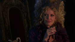Once Upon a Time - 1x02 - The Thing You Love Most - Maleficent Goblet