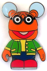 File:Vinylmation muppet pin set 2 chaser scooter.jpg