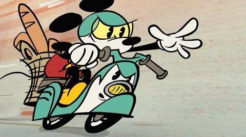 Mickey Mouse Croissant de Triomphe Disney NL