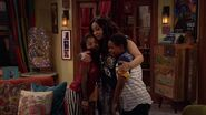 Raven's Home - 1x06 - Adventures in Mommy-Sitting - Raven and Kids