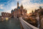 Enchanted-storybook-castle-sunburst-shanghai-disneyland 1