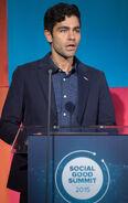Adrian Grenier speaks at Social Good Summit