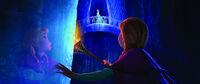 Promotional Anna and Elsa screenshot0