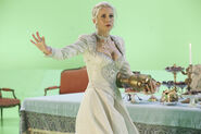 Once Upon a Time - 4x08 - Smash the Mirror - Production - Ingrid