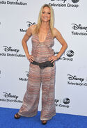 Teri Polo Disney ABC Upfront13