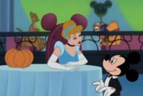 Cenicienta ofrece calabaza Mickey