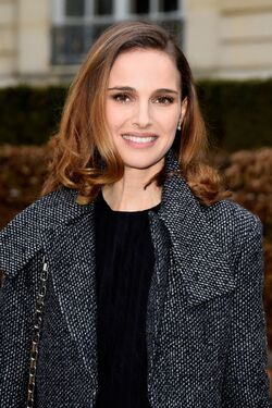 Natalie-portman-christian-dior-fashion-show-in-paris-january-2015 1