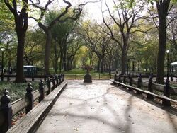 New-york-central-park-walkway-300x225.jpg