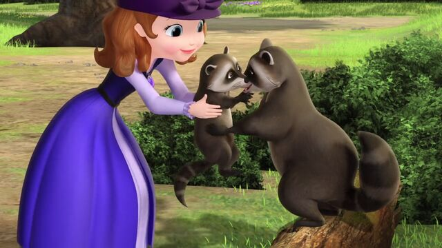 File:Carol of the Arrow Sofia and raccoons.jpg