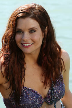 Joanna-garcia-swisher-once-upon-a-time-ariel