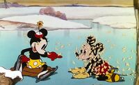 Minnie-and-Mickey-On-Ice