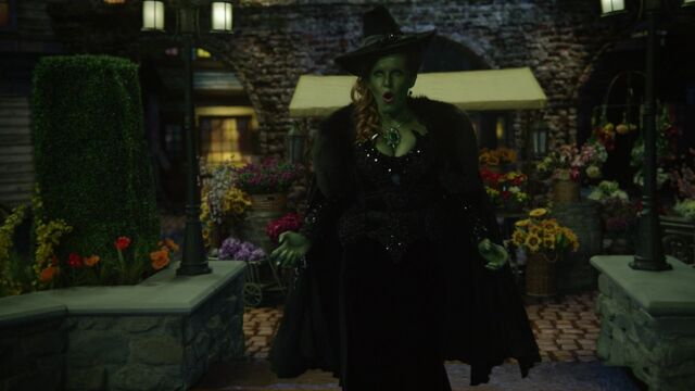 File:Once Upon a Time - 6x20 - The Song in Your Heart - Zelena Singing.jpg