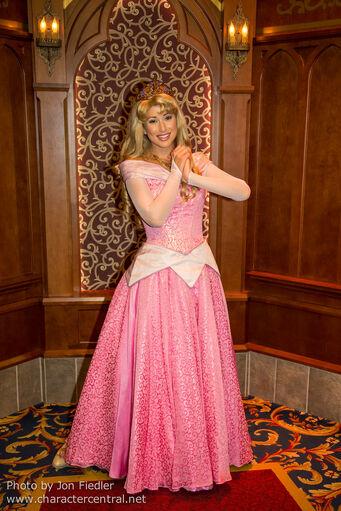 File:Aurora in the enchanted woods at Disneyland-0.jpg