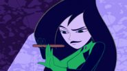 Shego doing her nails (2)