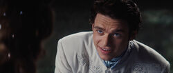 Cinderella-movie-2015-screenshot-prince-charming-kit-richard-madden-8