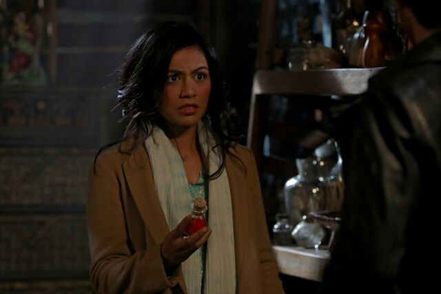 File:Once Upon a Time - 6x14 - A Wondrous Place - Photography - Jasmine.jpg