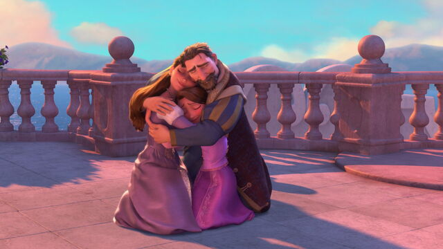 File:Royal Family Reunited - Tangled.jpg