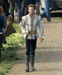 Disney-s-into-the-woods-coming-this-christmas-chris-pine-as-cinderella-s-prince