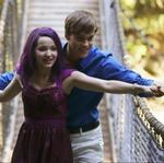 Mal und Ben auf einer Brücke