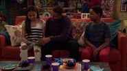 Raven's Home - 1x04 - The Bearer of Dad News - Nia, Devon and Booker