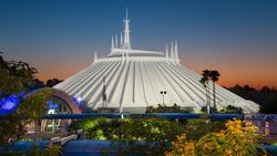Space-mountain-00.jpg