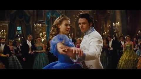 Disney España - Cenicienta - Todos te están mirando