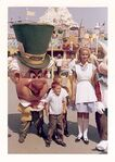 Disneyland 1963 alice and mad hatter 640
