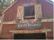 Splash mountain entrance