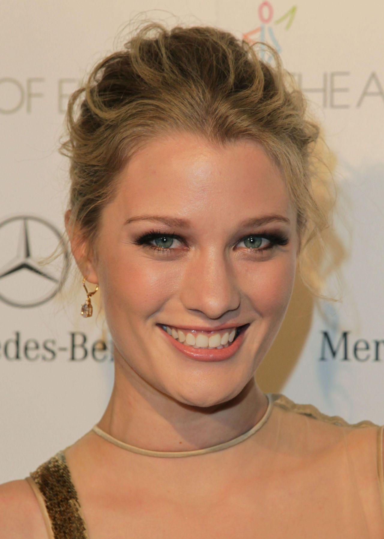 Ashley Hinshaw Nude Photos 45