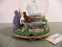 Cinderella Disney snow globe-2
