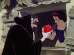 Snow-white-disneyscreencaps.com-8195