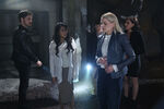 Once Upon a Time - 6x05 - Street Rats - Photography - Emma 3