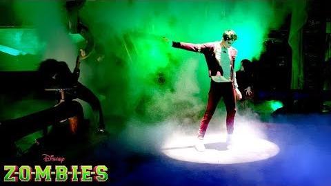 🎉 Trailer 1 🎬 ZOMBIES 😱 Disney Channel