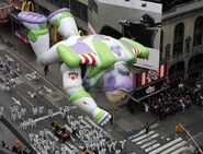 Buzz-Balloon-Macys-Thanksgiving