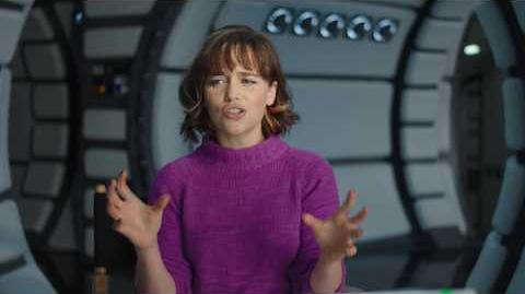 "SOLO Behind The Scenes ""Qi'Ra"" Emilia Clarke Interview - A Star Wars Story"