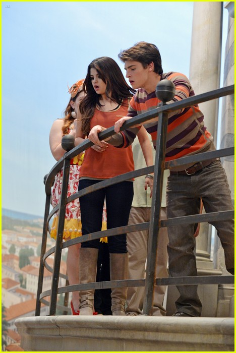 Wizards Of Waverly Place Alex Vs Alex Dominic