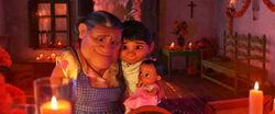 Coco - Miguel Abuelita Socorro