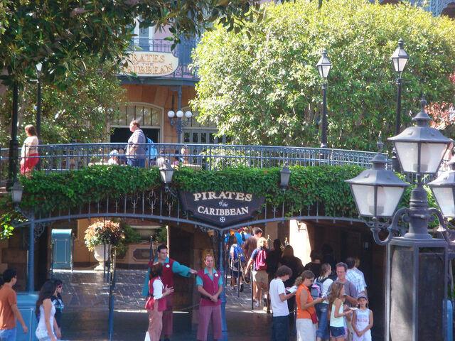File:Pirates of the Caribbean at Disneyland.jpg