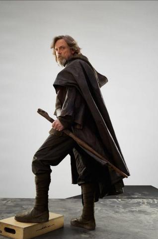 File:TLJ - Luke Skywalker 1.png