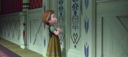 Anna klopft an Elsas Tür