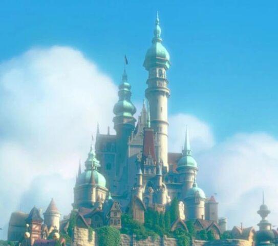 File:Corona Castle.jpg