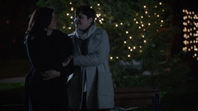 File:Once Upon a Time - 6x01 - The Savior - Snow and Regina.jpg