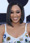 Tia-Mowry--2015-TV-LAND-Awards--12
