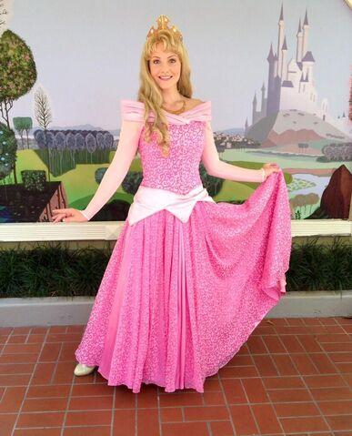 File:Auroras new new dress.jpeg