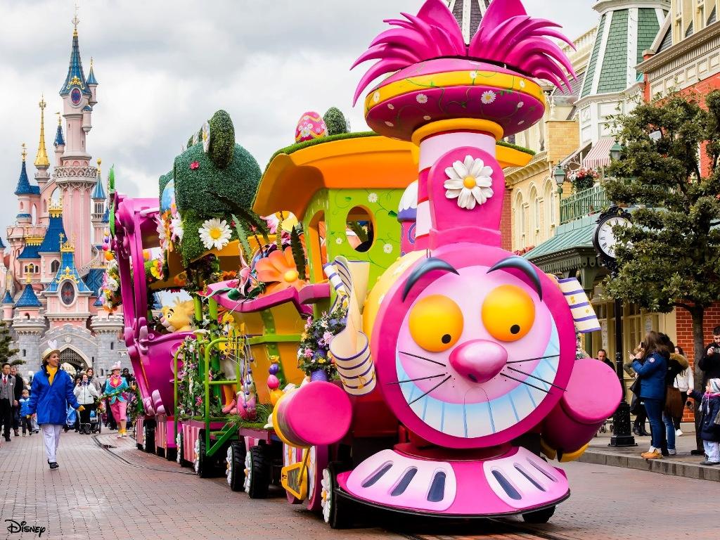 Train parade disneyland paris disney wiki fandom for Show a paris