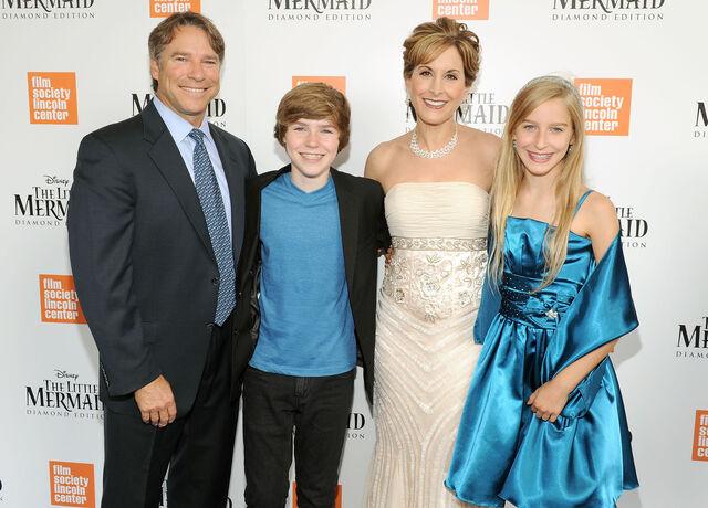 File:Benson family.jpg