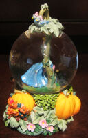 Disney Princess Cinderella Jaq Gus Snowglobe Water Globe Glass Dome Figure-2