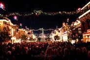 Disneyland-Christmas-2011-1